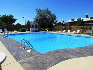 Relaxing Penthouse at Holiday Hills near Branson Landing -Indoor Pool