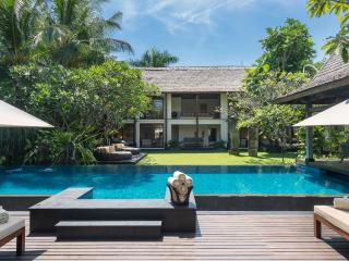 Villa Ramadewa - an elite haven, 3BR, Seminyak