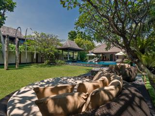 Seminyak Holiday Villa 27204