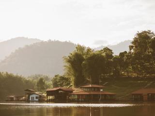 Kanchanaburi Resort Srisawat PufaEngnam Lake
