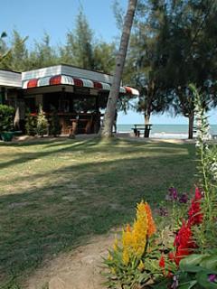 Coco Pool Villa Bangsapan