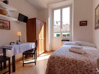 Cozy bright studio perfect for 1 guest near uffizi, Florencia