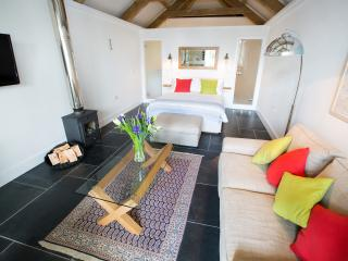 The Tractor Shed at Mesmear Luxury Holiday Cottage, Polzeath