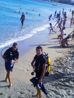 Scuba diving at Super Paradise beach !