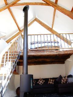 17th C thatched cottage in quiet hamlet, Dartmoor