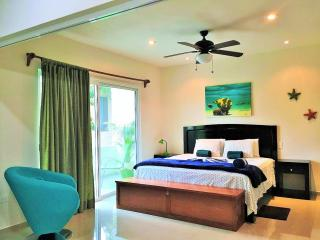 Luxury 2 Bedroom Apartment with Pool;, Tulum