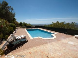 Villa with fantastic views, Santa Barbara de Nexe