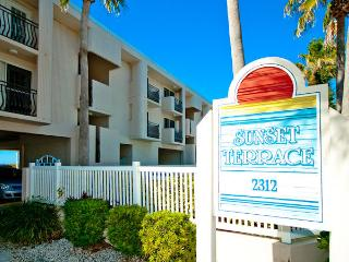 Sunset Terrace - 208, Bradenton Beach