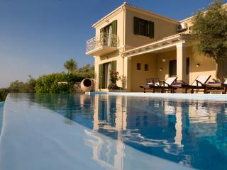 Romantic Luxury Villa with Private Pool,  Panoramic Sea View and Dreamy Sunset