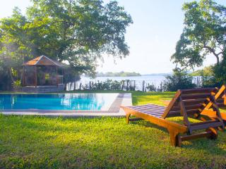 Lumbini Lagoon, Koggala Lake
