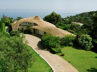 BEAUTIFUL VILLA PANORAMIC SEA VIEW, Golfe-Juan Vallauris