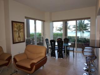 Ocean Dr Hallandale 3 bedroom 1/3, Miami