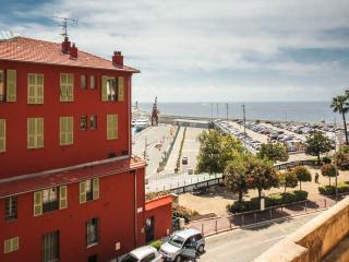 Promenade des Anglais 1 Bedroom Nice Apartment Near the Sea