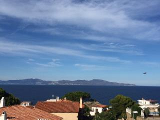 MONTGO, Vue mer splendide, Piscine, plage a pied, L'Escala