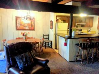 #40 Economy 2 BR Townhouse next to Snow Summit, Big Bear Lake