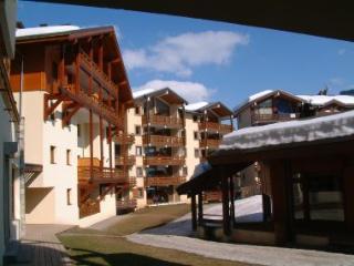Stunning top floor lift-served mountain penthouse