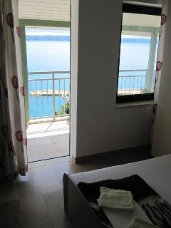 A3(6+2): bedroom