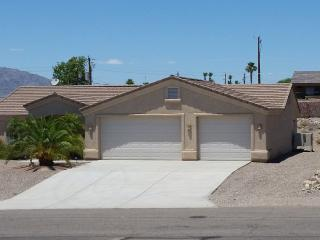 Beautiful Three Bedroom Two Bath House, Lake Havasu City