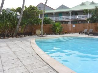 Le Beach Loft , perfectly located in the hart of Orient Beach and affordable!