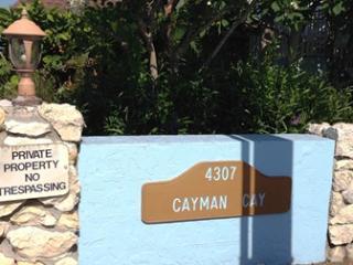 Cayman 104, Holmes Beach
