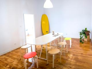 Surf Office: Company Retreat in Lisbon, Lisboa