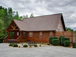 Moonbeams & Star Dreams Luxury Cabin, Gatlinburg