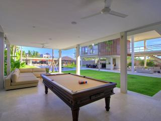 Villa Kalyani - Spacious living room