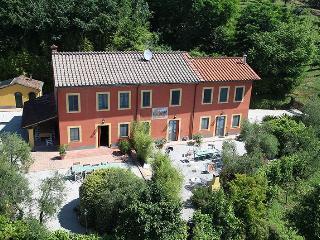 Villa Rental in Tuscany, Segromigno - Casa Ada, Camigliano