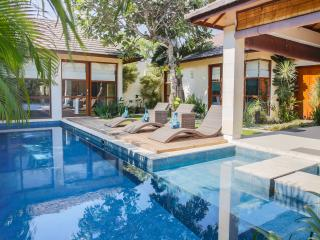 Villa Sepuluh - 3 Bedrooms - ON SALE!!, Legian