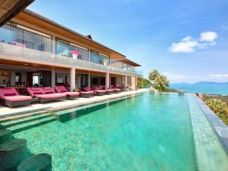 Baan Grand View: 5 Bed Luxury Villa with 16m Pool