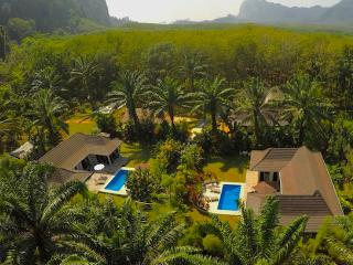 Eden Villas 1, 2 and 3 - Sleeps 22 People - Weddings - Retreats - Large Families