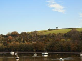 Idyllic cottage on the spectacular Fowey River
