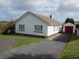 6 Person Bungalow with Conservatory Near Tenby