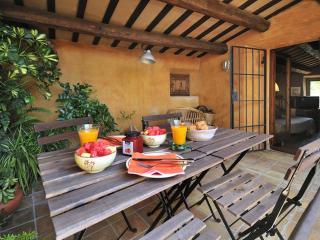 Maison de caractère dans un village mediéval