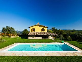 Marcheholiday Valdalto, modern country house, Piandimeleto