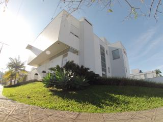 Florianópolis, GREAT HOUSE with 4 bedrooms for 12, Santo Antonio de Lisboa