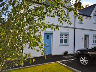 Antrim Coast Cottages - The Fairways, Cushendall