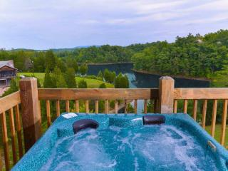 Lakeside Mountain Hideaway, Sevierville