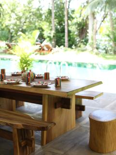 outside dining table and stools