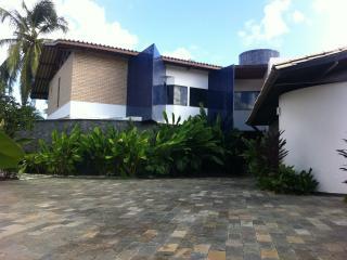 Linda casa próxima à praia, Lauro de Freitas