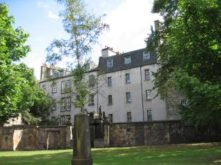 Greyfriars: Apartment in Old Town, Edinburgh