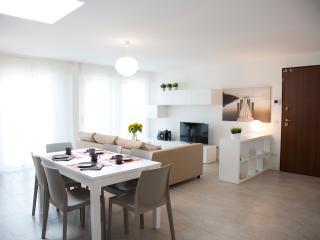 (#HINT63) Marina's White Apartment 2, Milán