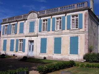 Unique apartment in 17c historic chateau, Charras