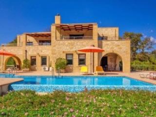 tonia villas, Armeni