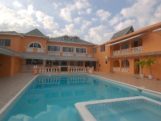 Villa Royale, Montego Bay, 15 BR, Ironshore