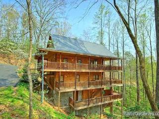 Rear Exterior View at Making Memories Lodge