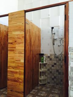 shared bathrooms furnished hot & cold water