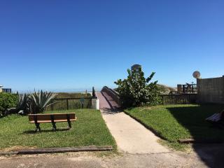 4 Bedroom Beach House, Breathtaking Oleander, SPI