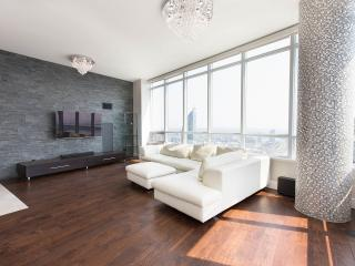 Downtown Luxury On Lake 2 Stories Penthouse, Toronto