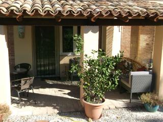 Spacious apartment with exclusive pool, San Ginesio